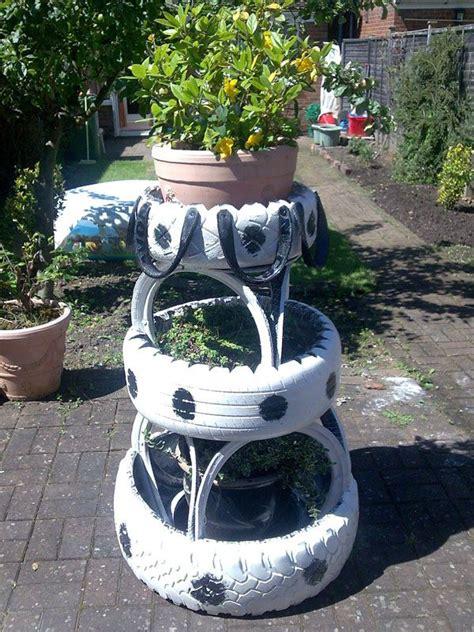 imagenes de jardines con neumaticos arte creativo con neum 225 ticos de deshecho bricoblog