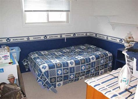 Baby Room Wallpaper Toronto - justin bieber s childhood home for sale in stratford the
