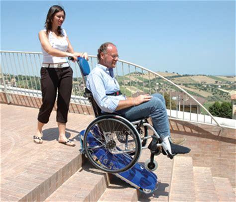 pedane mobili per scale scooter per disabili e anziani montascale a cingoli