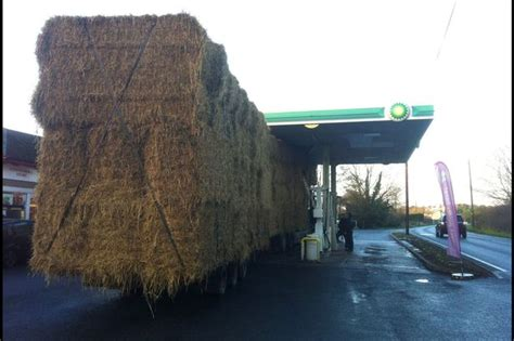 Bp Garage For Sale by Pictured Hay Lorry Gets Stuck Petrol Station