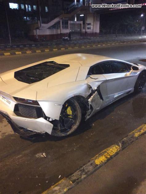 Lamborghini Wrecked Lamborghini Aventador Wrecked New Delhi India