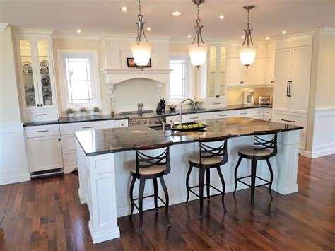 cuisine avec comptoir armoires de cuisine sur mesure 224 farnham