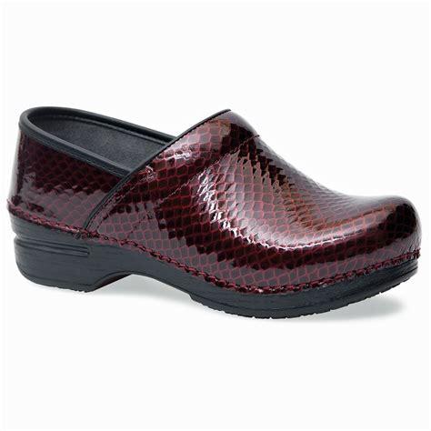 dansko shoes outlet dansko professional xp ruby anaconda patent 3906 25020