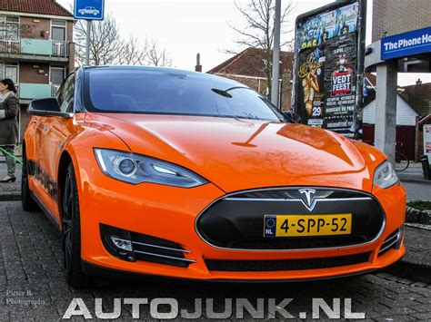 Orange Tesla Model S Oranje Tesla Motors Model S Foto S 187 Autojunk Nl 114166