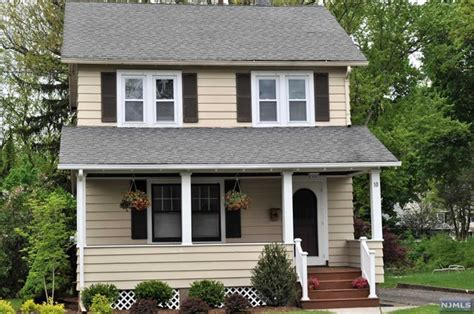 single family home for rent at 10 smith st waldwick nj