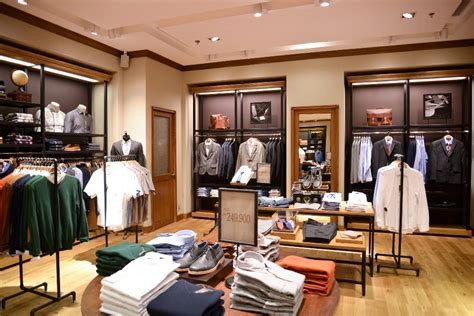 Celana Executive Bandung wood siap bersaing di pasar fesyen pria marketeers majalah bisnis marketing