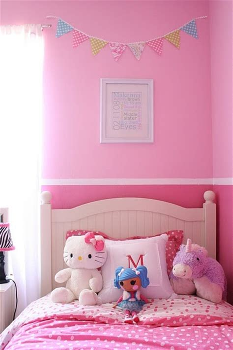 tones  pink   painted border bedroom