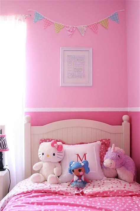 tones  pink   painted border bedroom