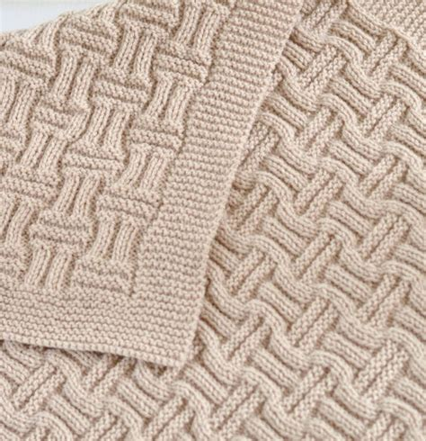 is crochet or knitting easier 1000 ideas about knitting and crocheting on