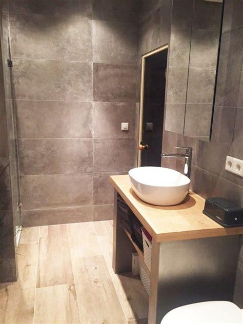 badkamer hout en betonlook badkamer keramisch parket betonlook tegels badkamer