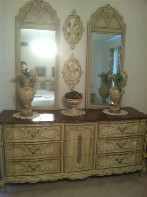 antique french provincial bedroom furniture i have a bedroom set that i think its french provincial