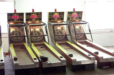 skee table for sale skeeball gumball pinball juke box pool