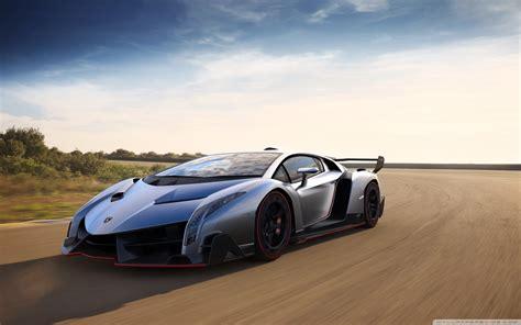 Lamborghini Veneno Vs Bugatti Veyron   wallpaper.