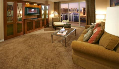 signature one bedroom balcony suite the signature at mgm grand westjet