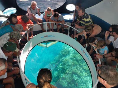 glass bottom boat boracay glass bottom boat in boracay a wanderful sole