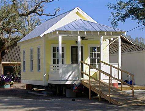 Small Homes Trend Small Space Living Tiny House Trend Grows Bigger