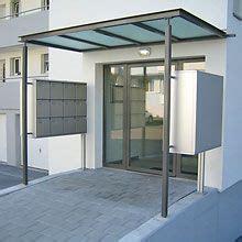 terrassen schiebetür vordach mit briefkastenanlage an st 252 tzen montiert haus