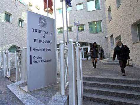 difensore d ufficio pagamento 171 ha usato la postepay di un altro 187 ma era in carcere