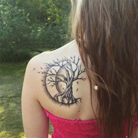 best 25 crescent moon tattoos the 25 best ideas about crescent moon tattoos on