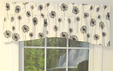 And White Kitchen Curtains by Black And White Kitchen Curtains Sets Important Factors
