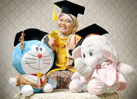 Boneka Doraemon Wisuda Toga Xl kado wisuda hadiah animasi unik boneka jual flanel