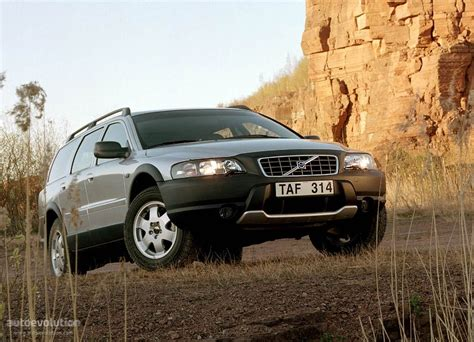 how do i learn about cars 2001 volvo s40 parking system volvo xc70 v70xc specs 2000 2001 2002 2003 2004 autoevolution