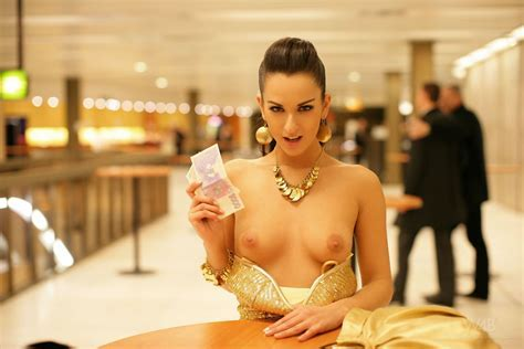 Ennie In Prom Free Nude Watch Beauty Pictures At Elitebabes