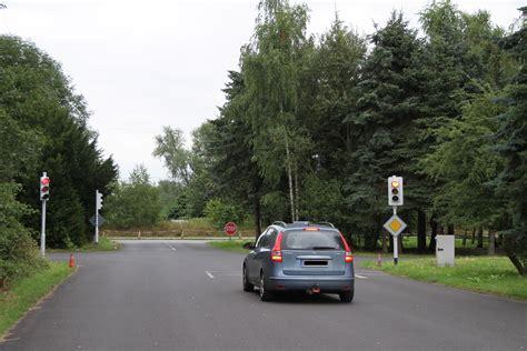 Motorrad Fahren Ohne Führerschein Adac by Fahren Ohne F 252 Hrerschein Der Verkehrs 252 Bungsplatz In