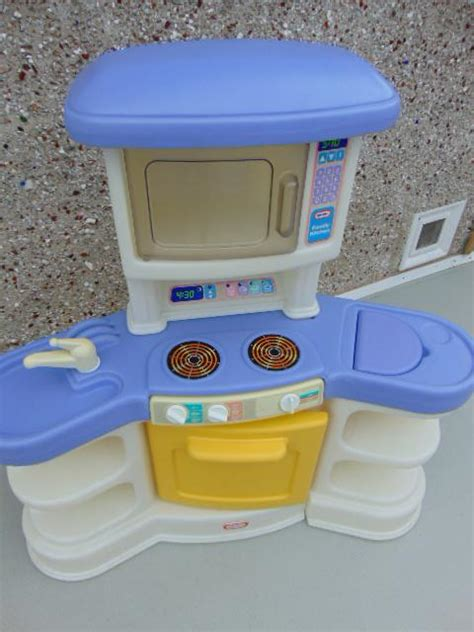 tikes play sink tikes play kitchen stove microwave sink age 2 6