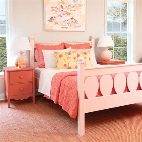 mabel bed  maine cottage  color lives