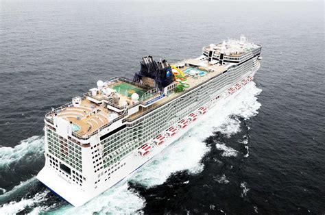 largest cruise line top 10 largest ships in the world