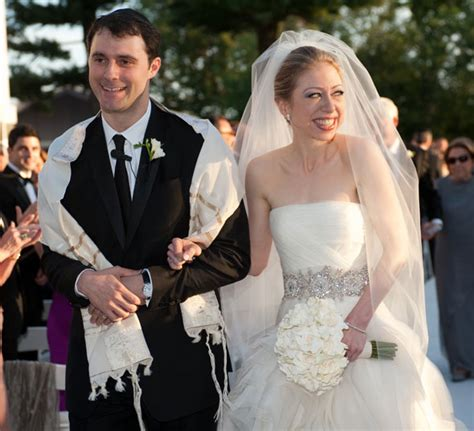 Chelsea Clinton Wedding Gown by Chelsea Clinton S Wedding Dress Vera Wang Strapless Gown