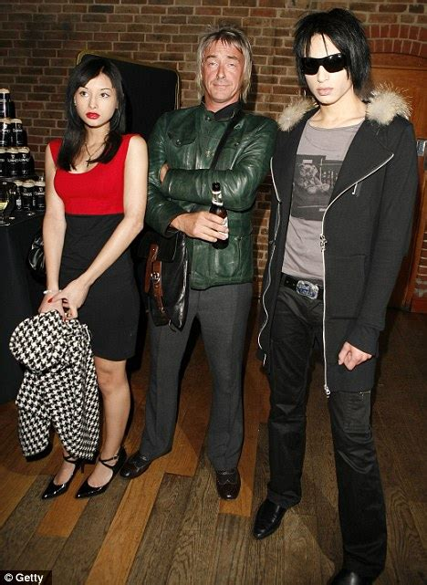 dee c lee stock photos modfather paul weller takes his twin sons john paul and