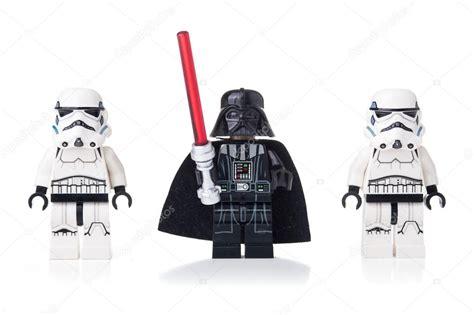 Gelang Lego Stromtrooper Dartvade wars lego darth vader and stormtroopers stock editorial photo 169 pio3 77476660