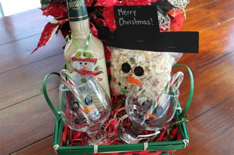 themed gift ideas snowman themed gift baskets