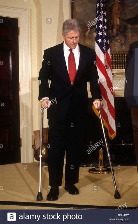 bill clinton house us president bill clinton in crutches during a white house event stock photo royalty