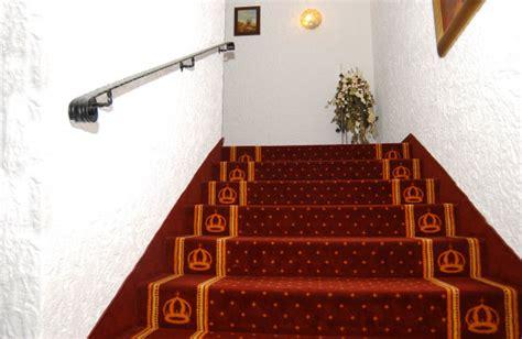 treppenhaus teppich treppenhaus vom wellnesshotel krone igelsberg in