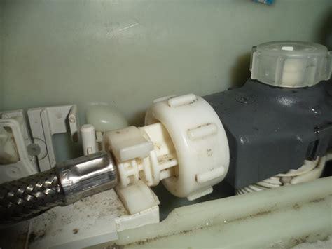 cassetta wc perde come riparare una cassetta incasso per wc soluzioni fai