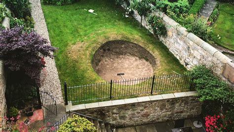 built  road hole bunker   backyard