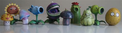 Plants Vs Zombies Paper Crafts - paper vs zombies a site about pvz paper craft