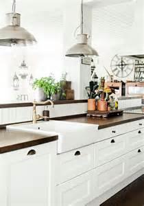 Old Farmhouse Kitchen Designs by 20 Vintage Farmhouse Kitchen Ideas Home Design And Interior