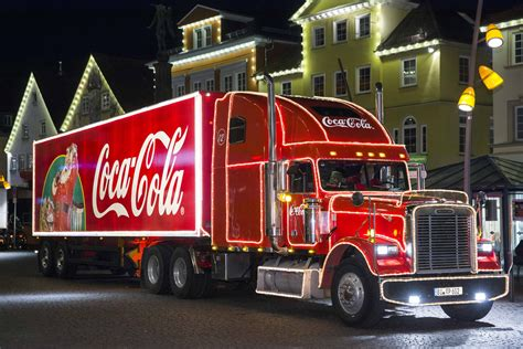 coca cola s caravan kick the season