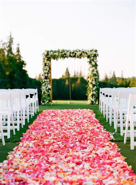 Wedding Aisle Flower Petals by Pink Flower Petal Wedding Aisle 187 Praise Wedding