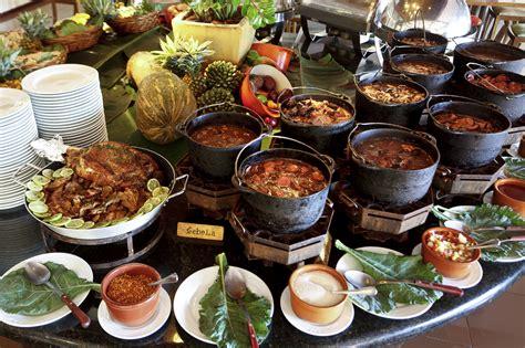 international themeddinner buffet at pullman changshu
