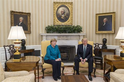 trump in the oval office ficheiro angela merkel and donald trump in the oval office