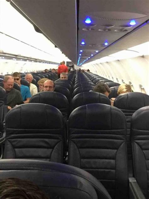 airbus a321 cabin layout spirit airlines fleet airbus a320 200 details and pictures