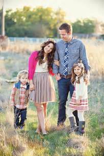 Cute Family Photo Outfit Ideas