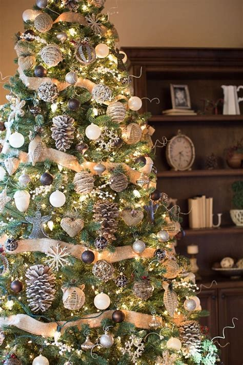 tree decorating ideas farmhouse christmas tree madinbelgrade