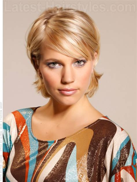 shaping back of hair to flipin with a layer cut 96 best images about hairstyles on pinterest shorts