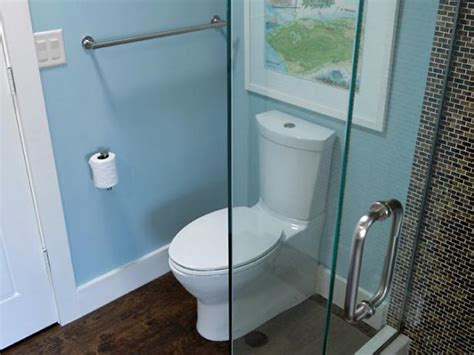 toilet and bathroom the lowdown on low flow toilets hgtv